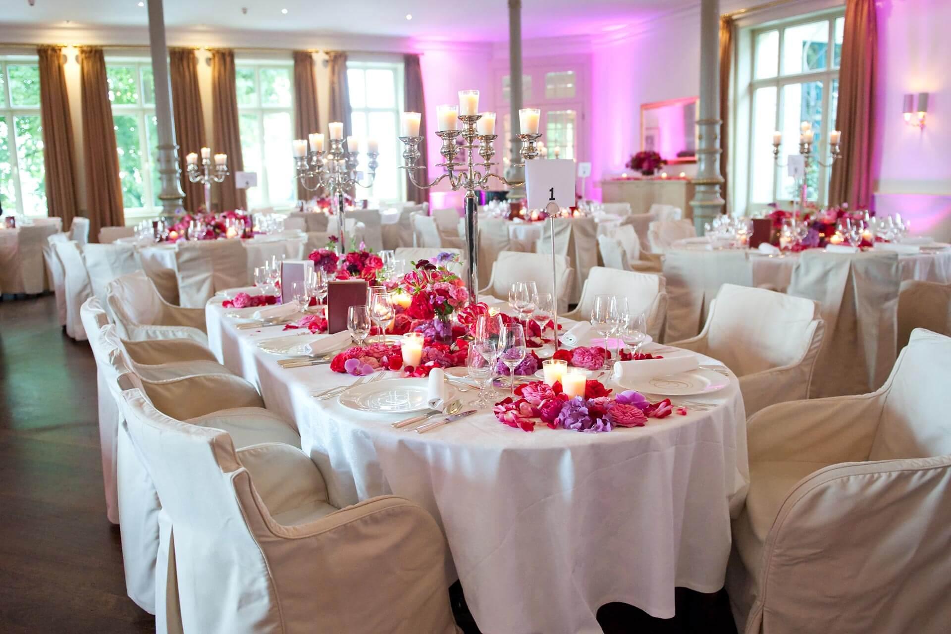 Süllberg Hochzeit, Tischdeko mit Blumen